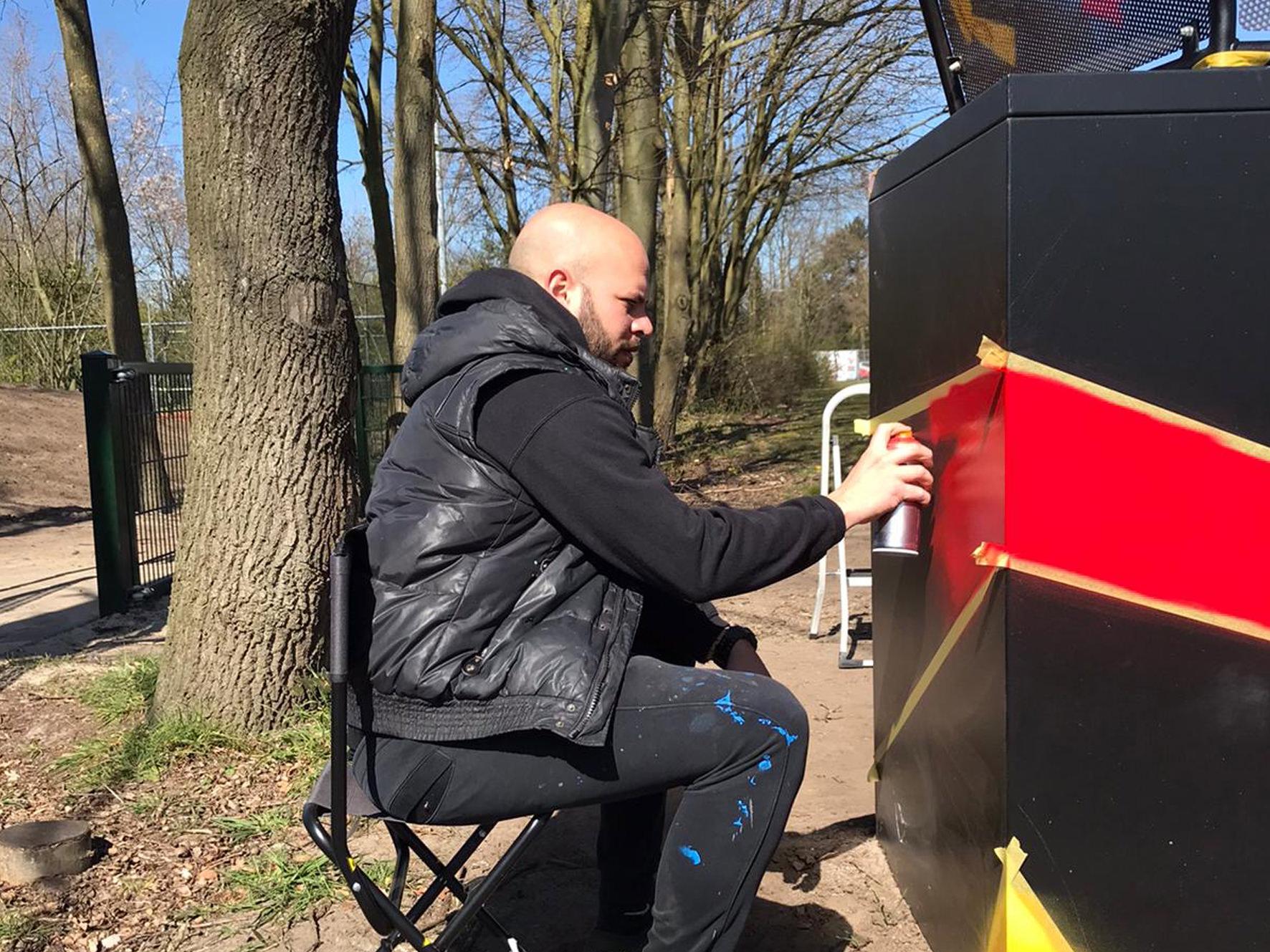 Graffitikunstenaars Pimpen Afvalbak